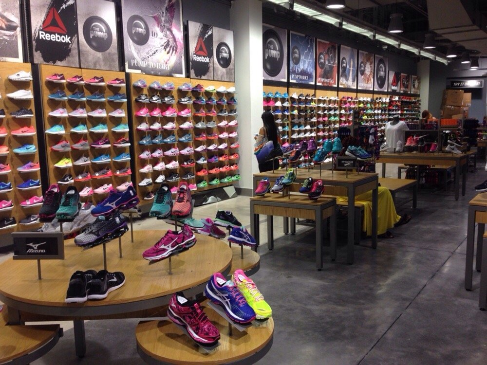 Tips For Buying Women's Athletic Shoes