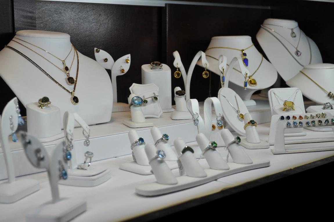 Buy Wholesale Diamond Jewelry To Save Money